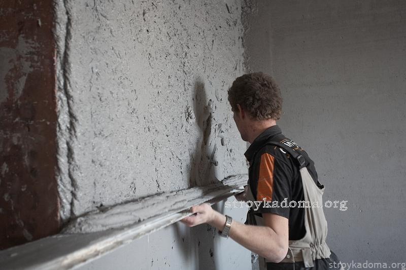 Оштукатуривание стен своими руками видео без маяков