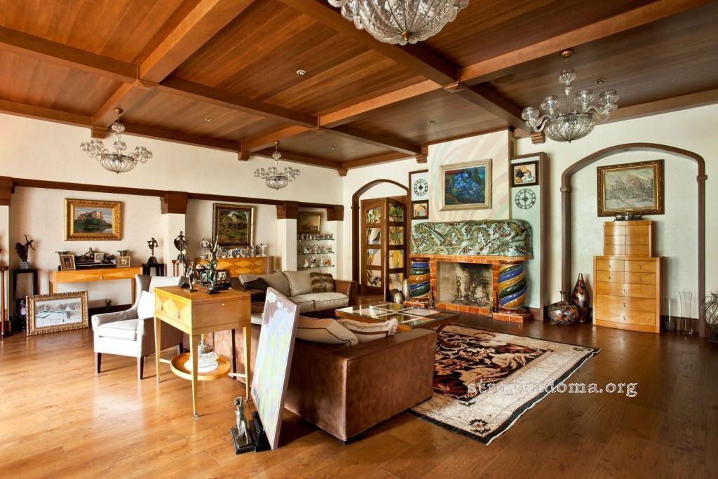 гостиная в стиле кантри в доме
