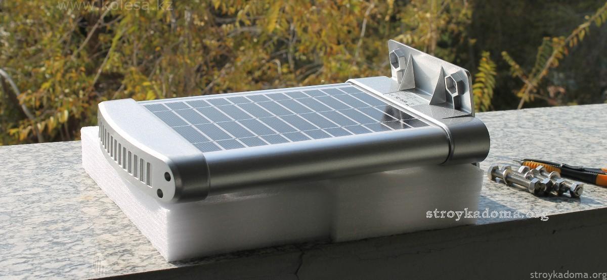 Солнечная батарея с фанарем