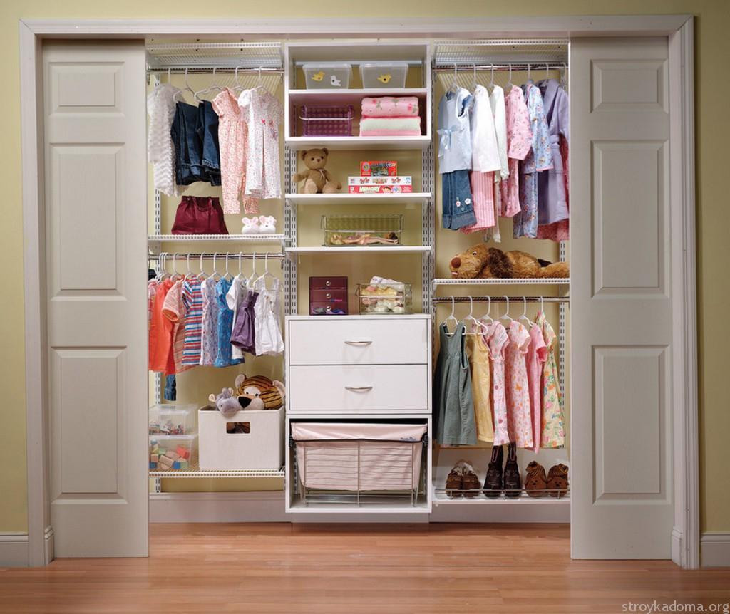 Детский шкаф с корзиной для игрушек