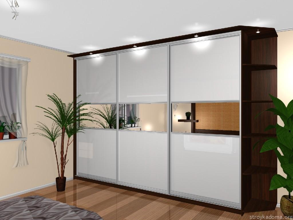 Классический дизайн с подсветкой, фасад украшен зеркальными вставками