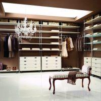 Мини-гардеробная: вещи на своих местах