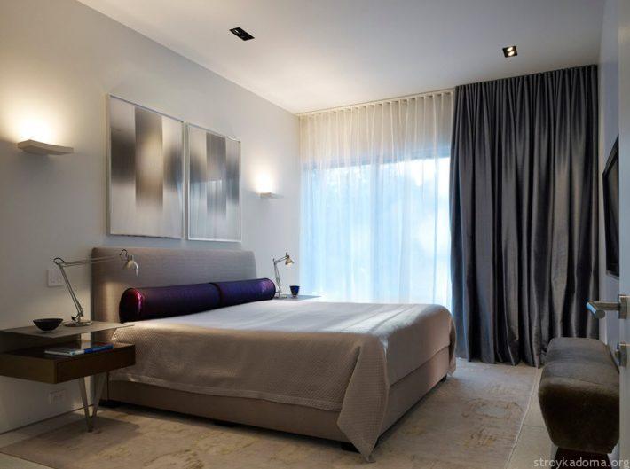 Сдержанные цвета подчеркивают оригинальную форму мебели и декора
