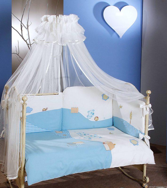 Балдахин - защита кровати малыша и украшение интерьера[