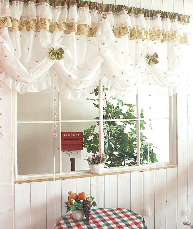 19-beautiful-kitchen-curtains1