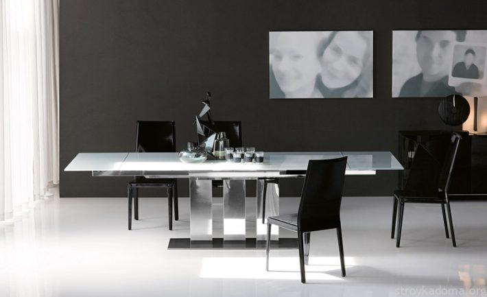 Стильные столы из стекла