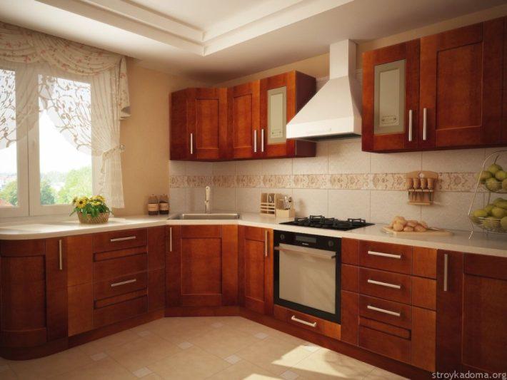 Классическая кухня цвета натурального дерева