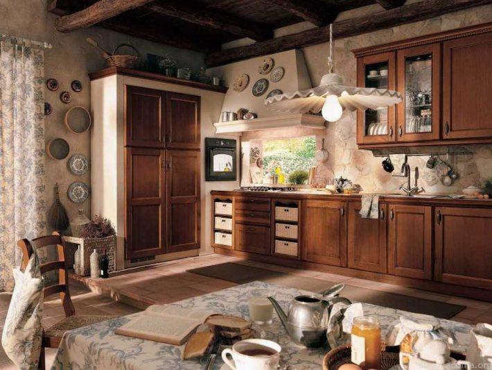 Винтажный интерьер просторной кухни
