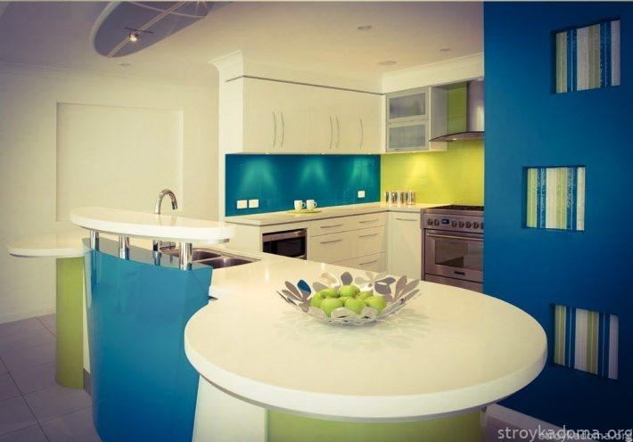 Kitchen Предлагаемый «Пантоном» Greenery прекрасно сочетается с холодным синим цветом, модным в 2016 году